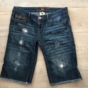 Velvet Heart 29 factory distressed jean shorts